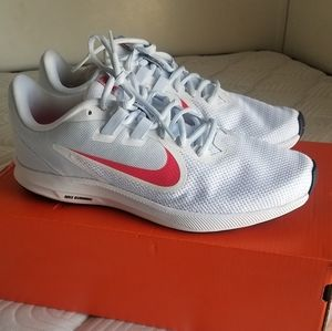 Womens Nike Downshifter Running Shoes